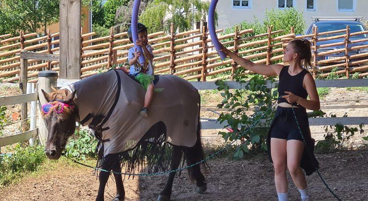 Ritterspiele für Kinder am Pferd